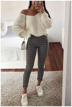 31 niedliche Herbst Styles für Frauen Wintermode 2019 - - Tricot et crochet These 20 stunning black outfits that're slimming will help you feel confident. Whether you are going out on a date or going to work, they'll look amazing. Winter Mode Outfits, Casual Winter Outfits, Winter Fashion Outfits, Stylish Outfits, Spring Outfits, Trendy Fashion, Cute Outfits, Fashion Ideas, Trendy Style
