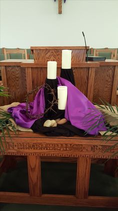 Lent altar 2016 Easter Altar Decorations, Lent Decorations For Church, Church Crafts, Church Ideas, Maundy Thursday Worship, Alter Decor, Easter Flower Arrangements, Altar Design, Church Stage Design