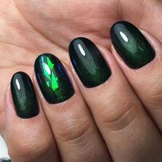 Fresh Green Nails Ideas To Get This Season ★ See more: http://glaminati.com/green-nails-ideas/