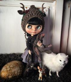 Sweet Beata in her new deer hat 💕 #blytheoutfit #blythecustom #blythegram #blythedoll #blythe #oddblythe #ooakblythe
