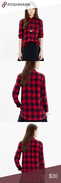 """Madewell Ex-boyfriend Plaid Flannel Shirt Navy Red This Madewell flannel shirt is in good pre-loved condition- no rips or stains. The shirt is """"Albion"""" plaid in deep navy and red with matching check pattern inside. Size small. Madewell Tops Button Down Shirts"""