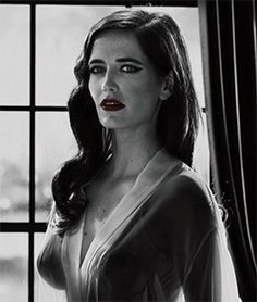 perfection that is Eva Green French Beauty, Dark Beauty, Casino Royale, Eva Green Penny Dreadful, Actress Eva Green, Actrices Sexy, Bond Girls, French Actress, Portraits