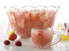 Summer Punches and Drinks for any party: Summer Strawberry Blush Punch