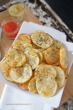 Chips di patate al forno | tagliarle con la mandolina. prima forno ventilato 10min. poi grill . poi rigirarle
