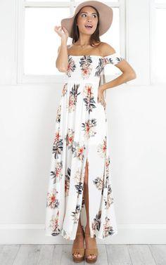 2017 NEW Boho style long dress women Off shoulder beach summer dresses  Floral print white maxi dress vestidos de festa-in Dresses from Women s  Clothing ... 89fbc7648