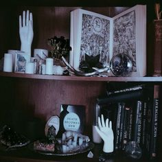 Altar inspo Witch Cottage, Witch House, Imagenes Dark, Witch Room, Goth Home, Witch Decor, Gothic Home Decor, Gothic House, Decoration Design