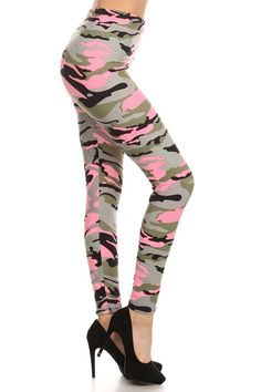 Pink camo leggings - sign me up!