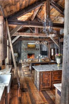 Rustic Kitchen Ideas - Rustic kitchen cabinet is a stunning mix of country home as well as farmhouse decoration. Search 30 ideas of rustic kitchen design here Log Home Decorating, Decorating Tips, Interior Decorating, Design Apartment, Log Cabin Homes, Log Cabins, Rustic Cabins, Rustic Cabin Decor, Cabins And Cottages