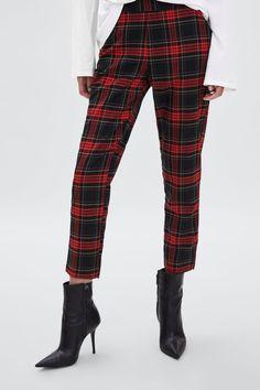 Women Spring Casual Plaid Pants Trendy Above the Ankle women plaid pants Karohosen Outfit, Plaid Pants Outfit, Winter Skirt Outfit, Dress Pants, Casual Pants, Khaki Pants, Pullover Design, Sweater Design, Pantalon Tartan