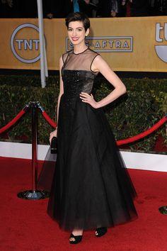 SAG Awards 2013: Anne Hathaway de Giambattista Valli