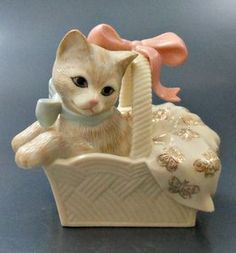 Lenox Signing Event Porcelain Cat Figurine Sweet Surprise New Box Sample Porcelain Jewelry, Porcelain Ceramics, Half Dolls, Glass Figurines, Here Kitty Kitty, Cat Art, Cats And Kittens, Pottery, Gatos