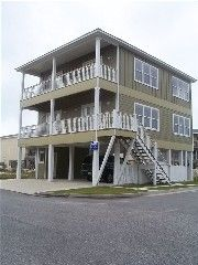 $2942/week, community pool, 4 Bedrooms, Sleeps 15 Bedroom 1 - 1 king  Bedroom 2 - 1 king  Bedroom 3 - 1 queen , 1 twin/ single  Bedroom 4/den - 1 double , 1 twin/ single , 1 sleep sofa /futon  King size beds (2), Queen size Beds (1), Sleep Sofa or Futons (1) Living Room has a sleeper sofa  Jump on Lillie's Pad for Your Next Gulf Visit   Vacation Rental in Gulf Shores from @homeaway! #vacation #rental #travel #homeaway