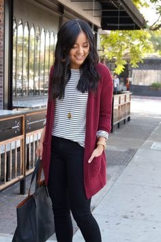 black and white striped shirt, maroon cardigan, black skinny pants, taupe booties, black tote business casual outfit 2 Source by jodistubblefield Dressy Casual Fall, Dressy Casual Outfits, Business Casual Outfits, Office Outfits, Work Outfits, Black Skinny Pants, Black Skinnies, Skinny Jeans, Outfits With Striped Shirts
