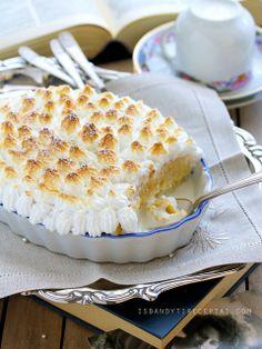 Ice cream cake with morengue