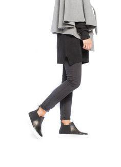 Now: LAZZERI Lite Hi-Top Slip-On. Streetwear goes weightless. #LAZZERI #RenatoLazzeri Discover at brandsclubhouse.com #BrandsClubHouse #BCH