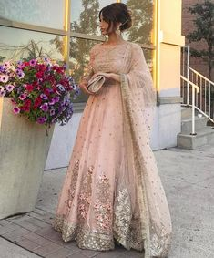 Stunning 🖤 @_touba #asianbridalgallery Indian Wedding Gowns, Pakistani Wedding Outfits, Indian Gowns, Indian Attire, Pakistani Dresses, Indian Outfits, Asian Bridal Dresses, Bridal Outfits, Lehenga Designs