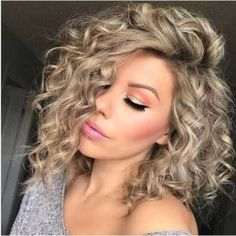Spiral Perm vs Regular Perm: Spiral Perm Hairstyles and Tips - Part 23 afro bangs hair hair styles mujer peinados perm style curly curly Curly Hair Styles, Curly Bob Hairstyles, Long Curly Hair, Medium Hair Styles, Trending Hairstyles, Perms For Short Hair, Spiral Perm Short Hair, Bob Haircuts, Spiral Perms