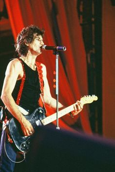 Keith Richards Outlaw in me. Rollin Stones, Stone World, King Richard, Rhythm And Blues, Keith Richards, Bon Jovi, Metal Bands, Rock N Roll, Concert