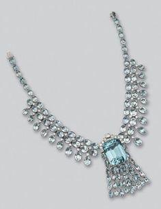 Platinum, Aquamarine and Diamond Clip/Necklace, Art Deco Jewelry, I Love Jewelry, High Jewelry, Lotus Jewelry, Jewelry Ideas, Antique Jewelry, Vintage Jewelry, Aquamarine Jewelry, My Birthstone