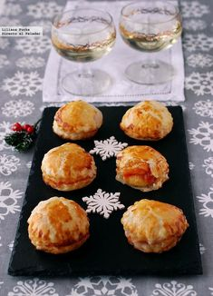 Cocina – Recetas y Consejos Aperitivos Finger Food, Spanish Tapas, Vegetable Drinks, Appetizer Recipes, Appetizers, Love Food, Easy Meals, Food And Drink, Cooking Recipes