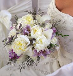 all bridal bouquets made and designed by bridal blooms & creations. #weddings #bouquets #bridalflowers #bridallook #weddingflowers #floraldesign #texasweddings #bridalblooms