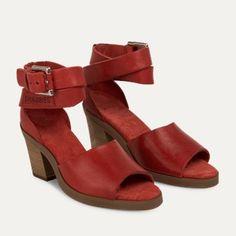 Sandaal structuurleer rood