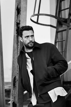 Aaron Taylor-Johnson por Ben Weller para Mr. Porter