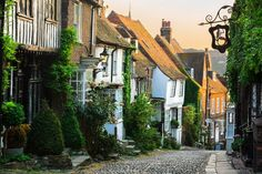 A weekend in Rye and Camber Sands - Lost in the Midlands Rye Sussex, East Sussex, Villages In Uk, Somerset Village, Camber Sands, Old Pub, Old Farm Houses, Medieval Town, Adventure Is Out There
