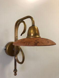 Dallo stile tipicamente rustico della Toscana Toscana, Slime, Decorative Bells, Home Decor, Trendy Tree, Fabrics, Decoration Home, Room Decor, Lima
