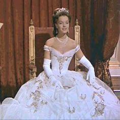 Robes et Costumes de la Trilogie des «Sissi» | ELISABETH D'AUTRICHE – HONGRIE