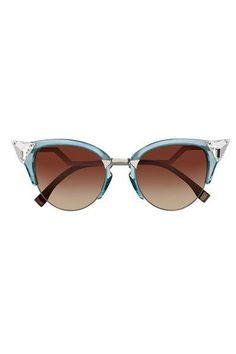 Envie de lunettes de soleil à monture papillon cet été  Notre sélection  shopping en images 35d049906a0f