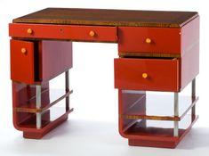 Desk of Bakelite, designed by Paul Frankl in the 1930s.