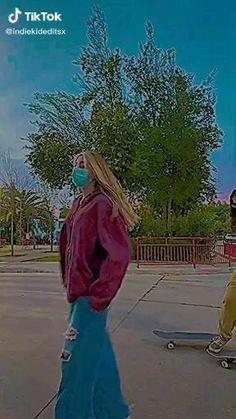 Aesthetic Indie, Aesthetic Videos, Aesthetic Girl, Aesthetic Pictures, Indie Photography, Aesthetic Photography Grunge, Photographie Indie, Estilo Indie, Cute Lesbian Couples