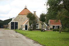 Nieuwehorne, Schoterlandseweg 3 - Boerderij met Saksisch voorhuis en Friese schuur
