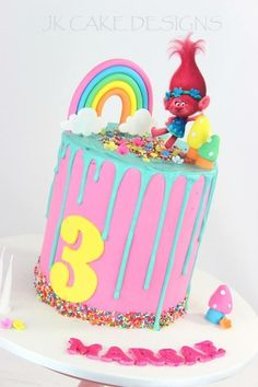Date and nut cake - HQ Recipes 3rd Birthday Cakes, 6th Birthday Parties, Birthday Fun, Trolls Birthday Party Ideas Cake, Birthday Ideas, Cupcakes, Cupcake Cakes, Bolo Trolls, Trolls Cakes