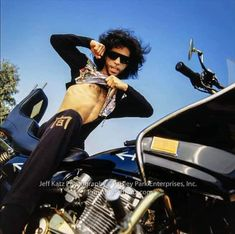 Collector Of Quality And Rare Photos Of Prince Rogers Nelson Prince Images, Photos Of Prince, The Artist Prince, Prince Purple Rain, Paisley Park, Handsome Prince, Roger Nelson, Prince Rogers Nelson, Purple Reign