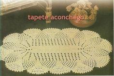 lindo tapete aconchego  aconchegante e simples  lindo mesmo!  em barbante 4/8  pode ser confeccionado na cor de sua preferencia    aprox  48x 90 cm  750g R$ 38,00