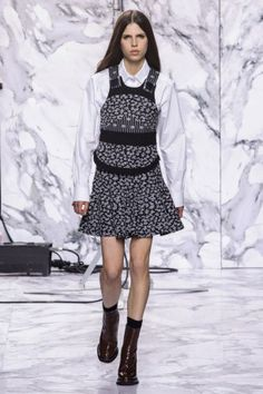 Carven Show-Paris Fashion Week-ready to wear FALL/WINTER 2016