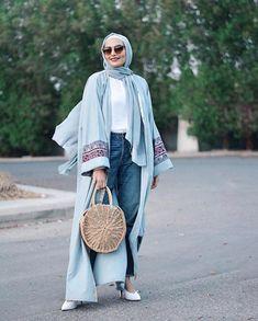 Open Abaya Designs 20 Latest Open Abaya Styles You Can Buy Stylish Hijab, Modest Fashion Hijab, Modern Hijab Fashion, Hijab Casual, Modesty Fashion, Abaya Fashion, Muslim Fashion, Kimono Fashion, Women's Fashion Dresses