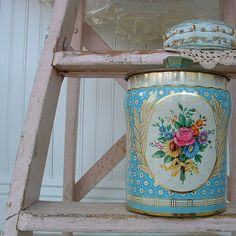 why do I love vintage tin so much?