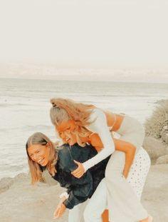 Best Friend Poses, Dear Best Friend, Best Friend Pictures, Friend Photos, Aesthetic Photo, Aesthetic Pictures, Aesthetic Girl, Friendship Photoshoot, Sibling Poses