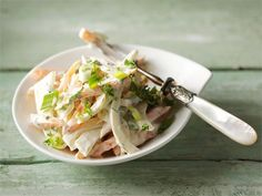 Porkkana-fenkolisalaatti Cabbage, Soup, Vegetables, Ethnic Recipes, Easy, Cabbages, Vegetable Recipes, Soups, Brussels Sprouts