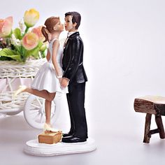 "Cake Toppers ""A Kiss And We're Off""  Cake Topper – USD $ 17.99 Light in the Box"