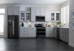 Samsung is the latest manufacturer to add darker finishes to kitchen appliances. The company also announced an update to one of its popular Flex Duo ranges.