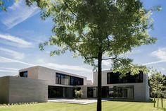 house + swimming pool VWB | afsnee: minimalistische Huizen door CAAN Architecten