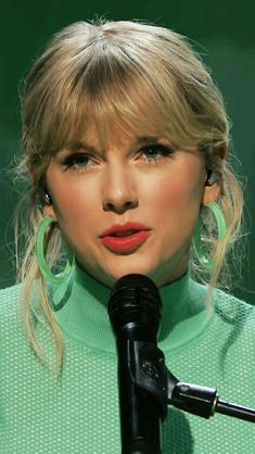 In this modern generation most of the people love music of their own choice.Choices of people for musi. Taylor Swift Fotos, Taylor Swift Fan Club, Estilo Taylor Swift, Long Live Taylor Swift, Taylor Swift Pictures, Taylor Alison Swift, Selena, Katy Perry, Estilo Gigi Hadid