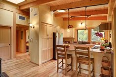 The River Road timber frame house by architect Nir Pearlson has 2 bedrooms in 800 sq ft | www.facebook.com/SmallHouseBliss