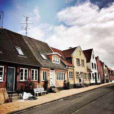 Sonderborg #Danemark #sonderborg #billund #manager #music #musique #artist #artiste #producer #scene #compositeur #like4like #likeforfollow #likeforlike #like4follow #picday #pictureoftheday #picture #sun #ontheblog #lifestyle #lifestyleblog #creativelife #blog #frenchblogger #photography #denmark Kingdom Of Denmark, Like4like, Scene, Colours, Mood, Mansions, Lifestyle, House Styles, Nature