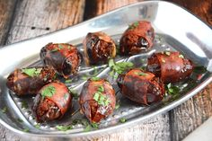Chorizo Stuffed Prosciutto Wrapped Dates - The Housewife in Training Files Quick Appetizers, Appetizer Dips, Appetizers For Party, Appetizer Recipes, Snack Recipes, Healthy Recipes, Snacks, Dinner Party Starters, Dinner Party Menu