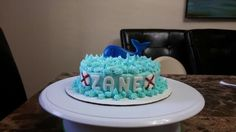 Preppy whale smash cake!!
